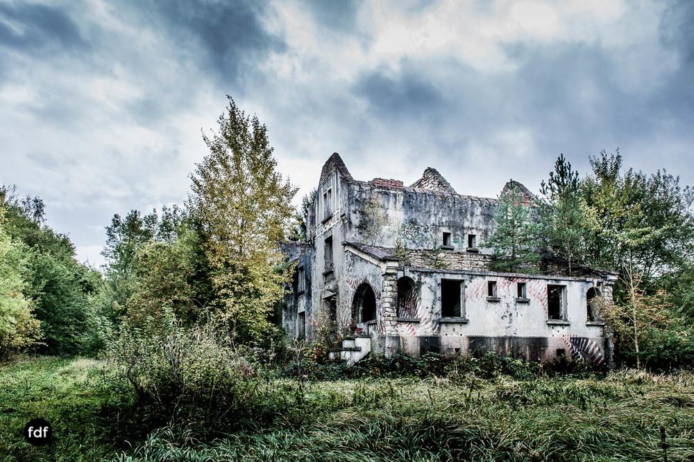 Banlieu-Saint-Jean-Kaserne-Lager-Maginotlinie-Ruine-Lost-Place-Urbex-104.jpg
