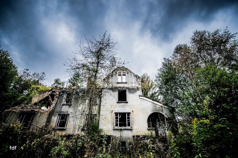 Banlieu-Saint-Jean-Kaserne-Lager-Maginotlinie-Ruine-Lost-Place-Urbex-107.jpg