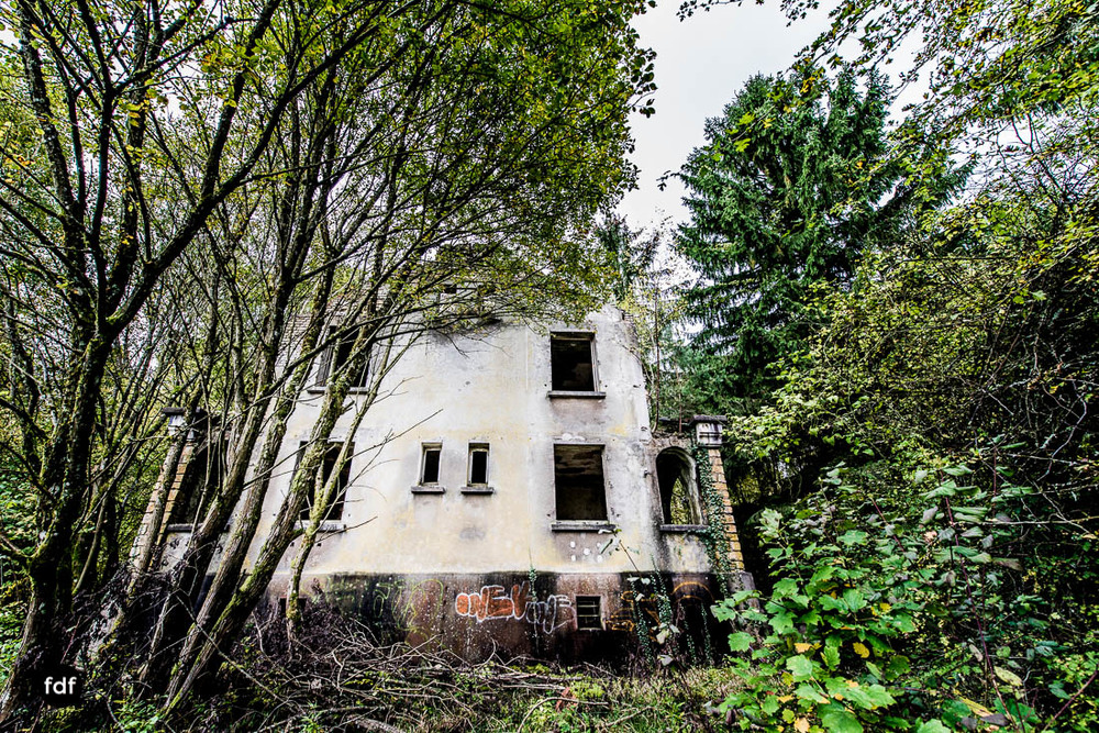 Banlieu-Saint-Jean-Kaserne-Lager-Maginotlinie-Ruine-Lost-Place-Urbex-108.jpg
