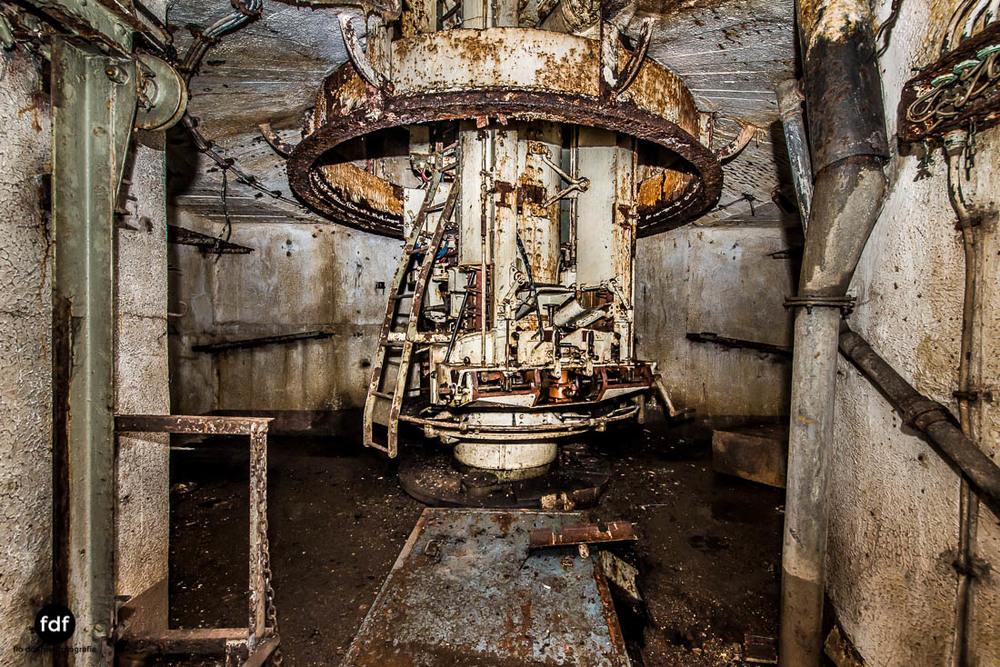 Mont-des-Welches-Maginot-Linie-Bunker-Dark-Place-Armee-Frankreich-Weltkrieg-113.jpg