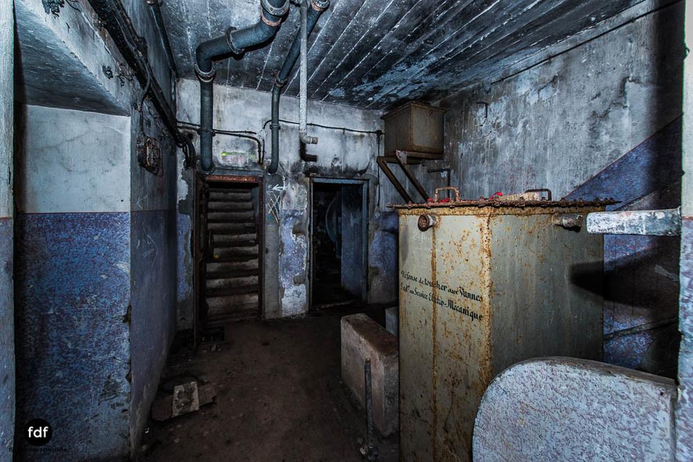 Mont-des-Welches-Maginot-Linie-Bunker-Dark-Place-Armee-Frankreich-Weltkrieg-126.jpg