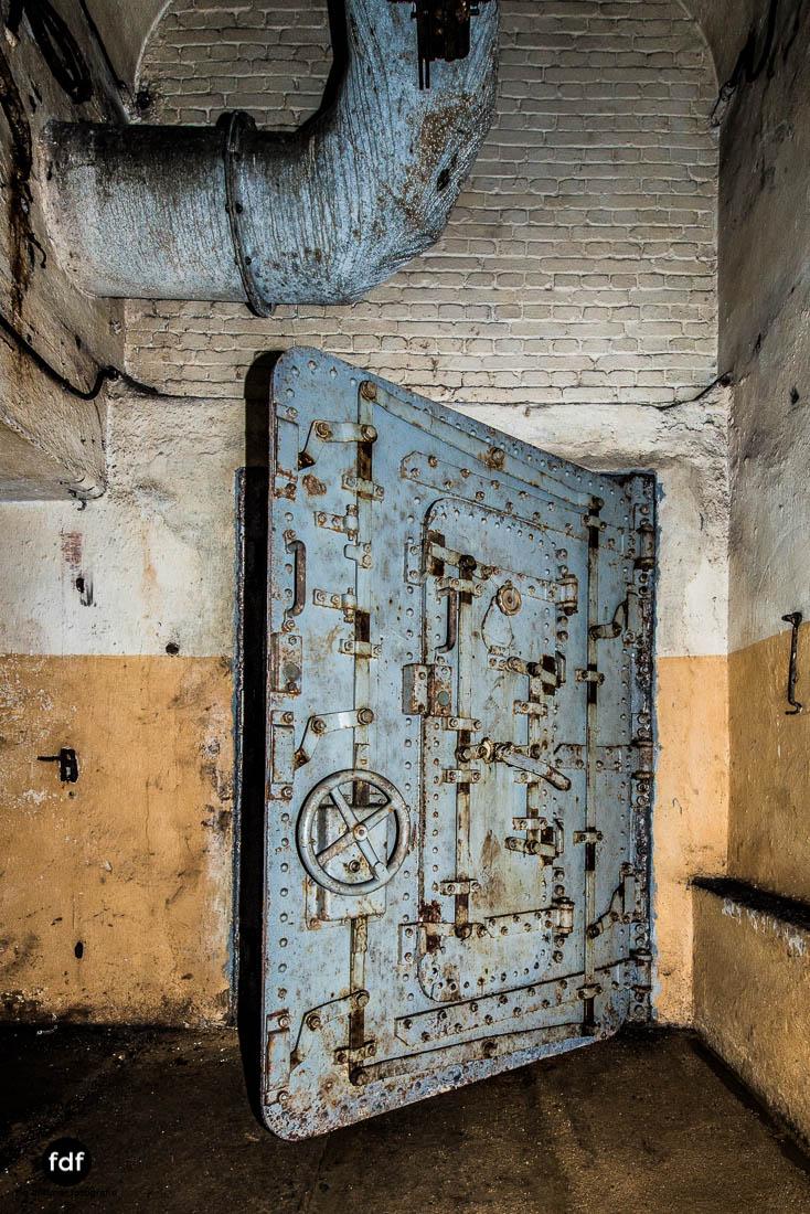 Brehain-Maginot-Linie-Bunker-Dark-Place-Unterirdisch-Armee-Frankreich-Weltkrieg-98.jpg