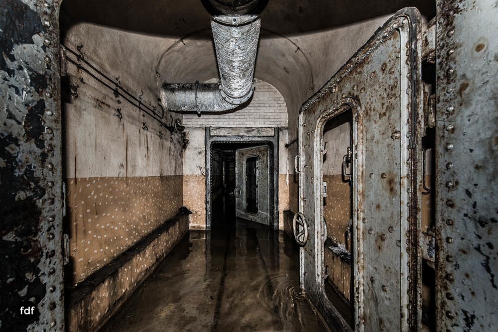 Brehain-Maginot-Linie-Bunker-Dark-Place-Unterirdisch-Armee-Frankreich-Weltkrieg-124.jpg