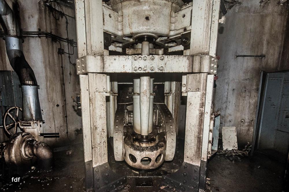 Brehain-Maginot-Linie-Bunker-Dark-Place-Unterirdisch-Armee-Frankreich-Weltkrieg-126.jpg