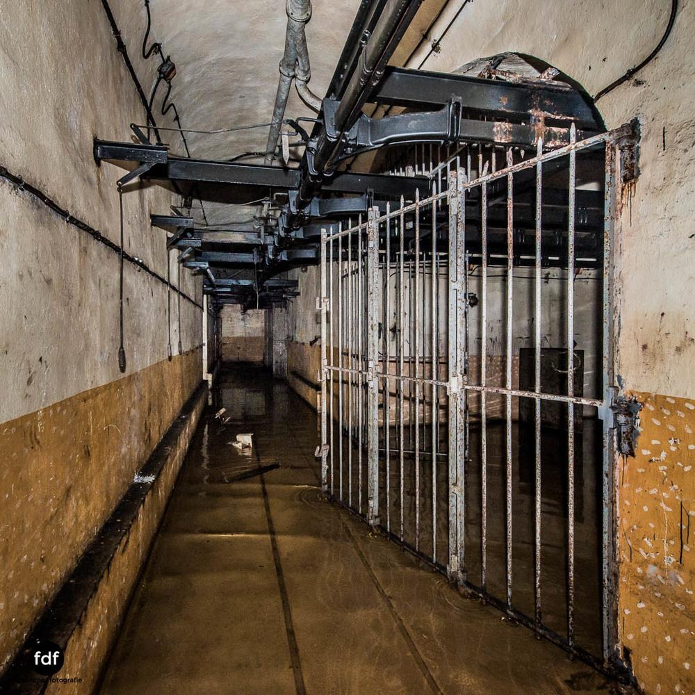 Brehain-Maginot-Linie-Bunker-Dark-Place-Unterirdisch-Armee-Frankreich-Weltkrieg-125.jpg