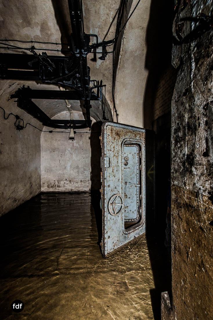 Brehain-Maginot-Linie-Bunker-Dark-Place-Unterirdisch-Armee-Frankreich-Weltkrieg-130.jpg