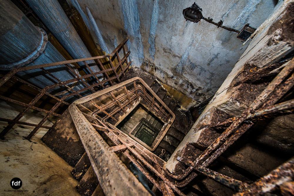 Latiremont-Maginot-Linie-Bunker-Dark-Place-Unterirdisch-Armee-Frankreich-Weltkrieg-100.jpg