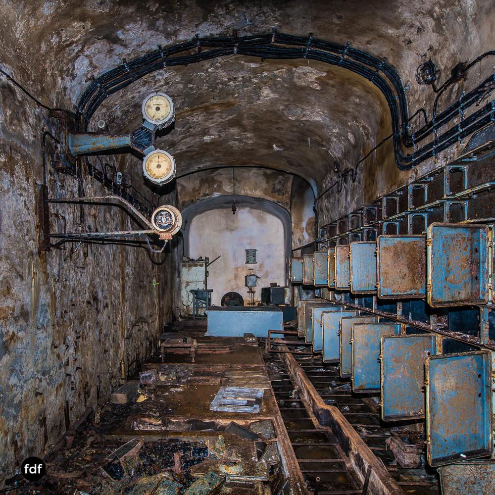 Latiremont-Maginot-Linie-Bunker-Dark-Place-Unterirdisch-Armee-Frankreich-Weltkrieg-101.jpg