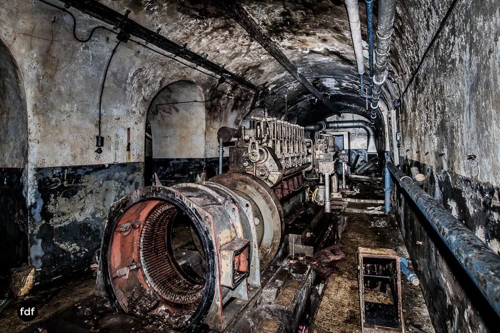 Latiremont-Maginot-Linie-Bunker-Dark-Place-Unterirdisch-Armee-Frankreich-Weltkrieg-102.jpg