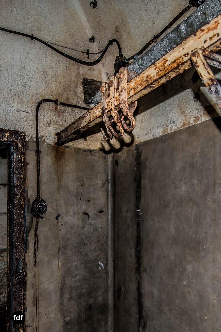 Latiremont-Maginot-Linie-Bunker-Dark-Place-Unterirdisch-Armee-Frankreich-Weltkrieg-109.jpg