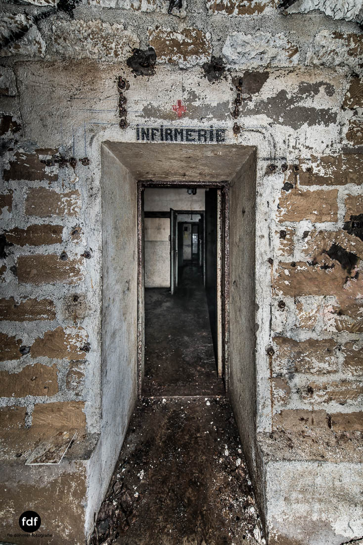 Latiremont-Maginot-Linie-Bunker-Dark-Place-Unterirdisch-Armee-Frankreich-Weltkrieg-108.jpg