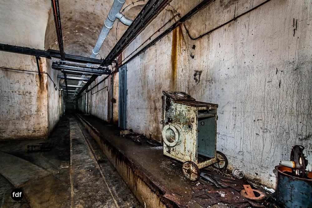 Latiremont-Maginot-Linie-Bunker-Dark-Place-Unterirdisch-Armee-Frankreich-Weltkrieg-112.jpg