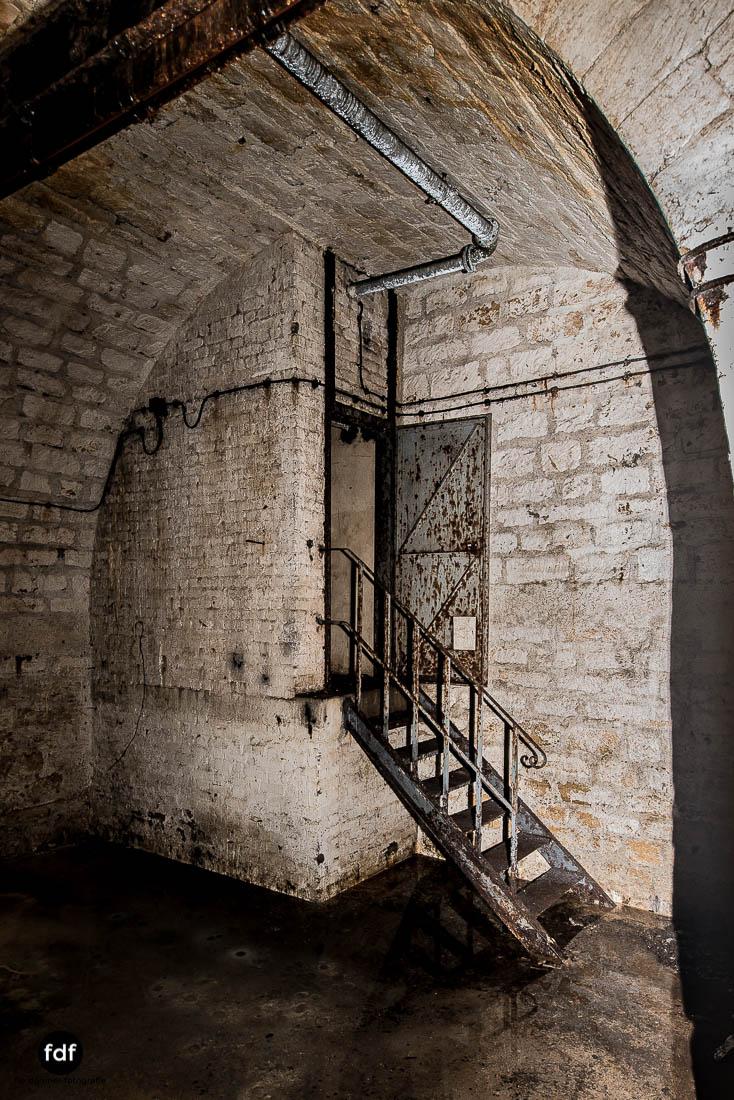 Latiremont-Maginot-Linie-Bunker-Dark-Place-Unterirdisch-Armee-Frankreich-Weltkrieg-113.jpg