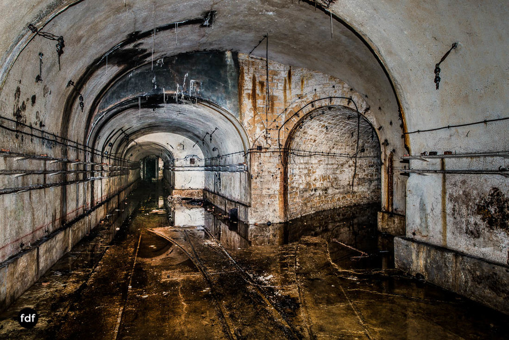 Latiremont-Maginot-Linie-Bunker-Dark-Place-Unterirdisch-Armee-Frankreich-Weltkrieg-118.jpg