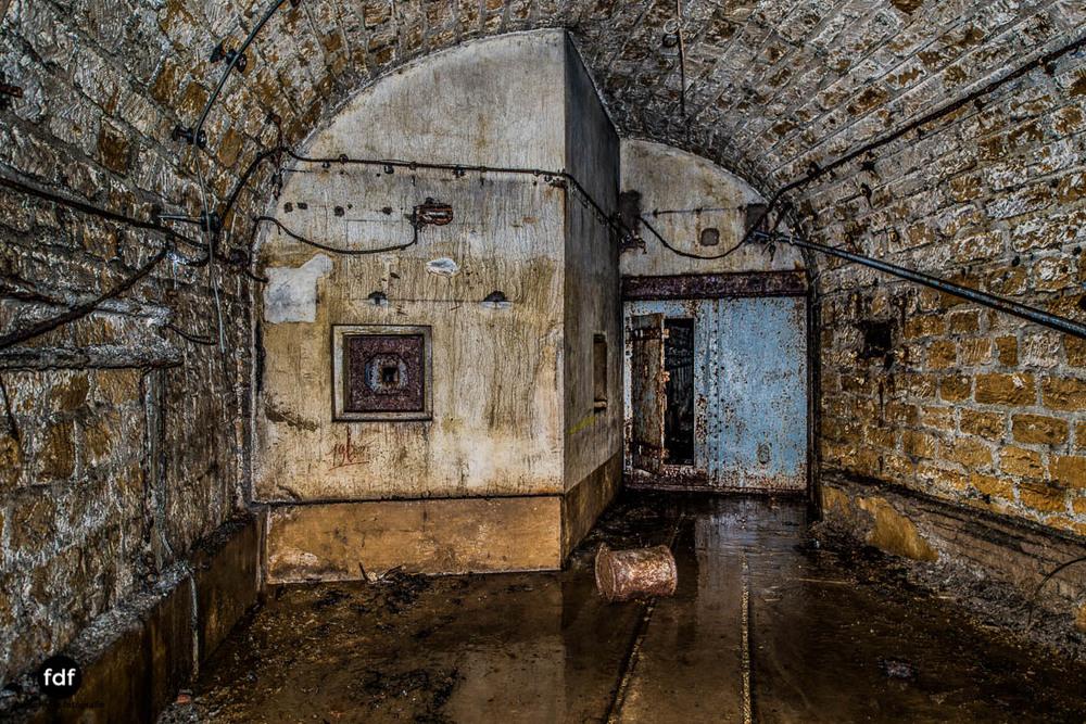 Latiremont-Maginot-Linie-Bunker-Dark-Place-Unterirdisch-Armee-Frankreich-Weltkrieg-117.jpg