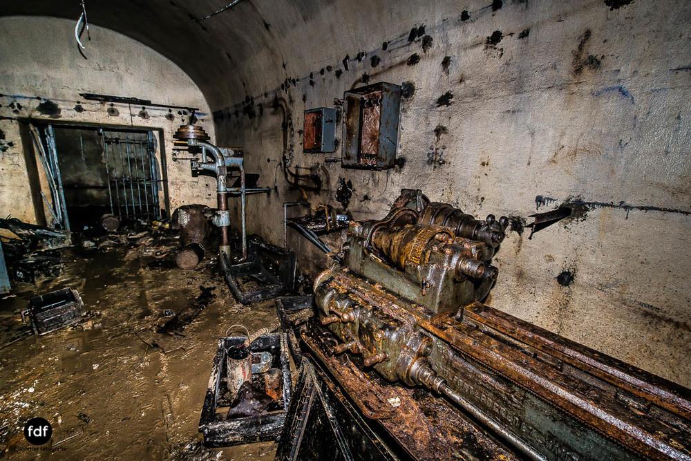 Latiremont-Maginot-Linie-Bunker-Dark-Place-Unterirdisch-Armee-Frankreich-Weltkrieg-121.jpg