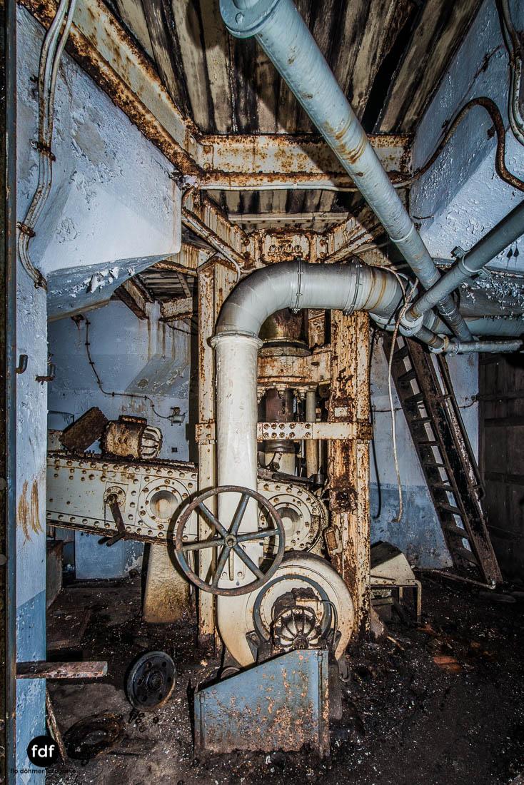 Latiremont-Maginot-Linie-Bunker-Dark-Place-Unterirdisch-Armee-Frankreich-Weltkrieg-126.jpg