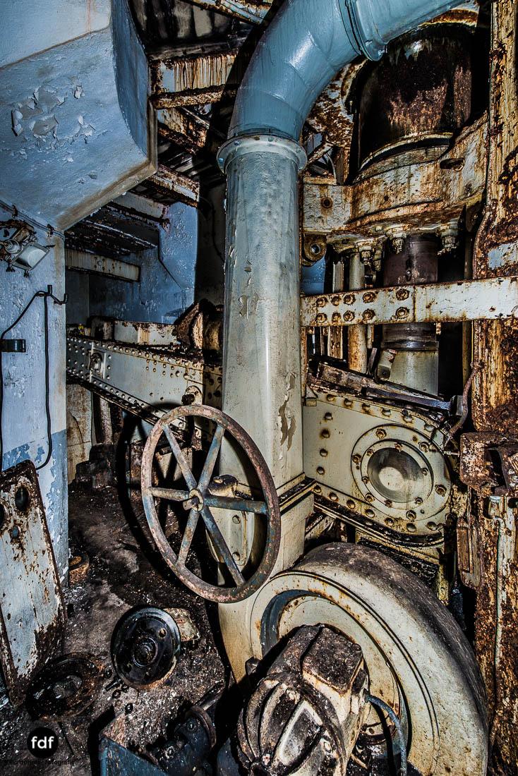 Latiremont-Maginot-Linie-Bunker-Dark-Place-Unterirdisch-Armee-Frankreich-Weltkrieg-127.jpg