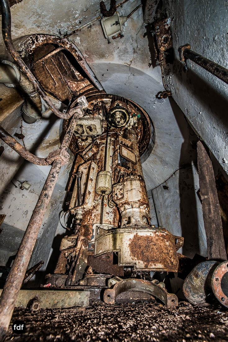 Latiremont-Maginot-Linie-Bunker-Dark-Place-Unterirdisch-Armee-Frankreich-Weltkrieg-129.jpg