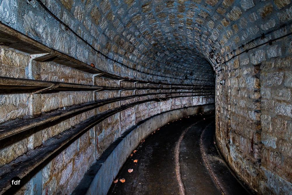 Latiremont-Maginot-Linie-Bunker-Dark-Place-Unterirdisch-Armee-Frankreich-Weltkrieg-131.jpg