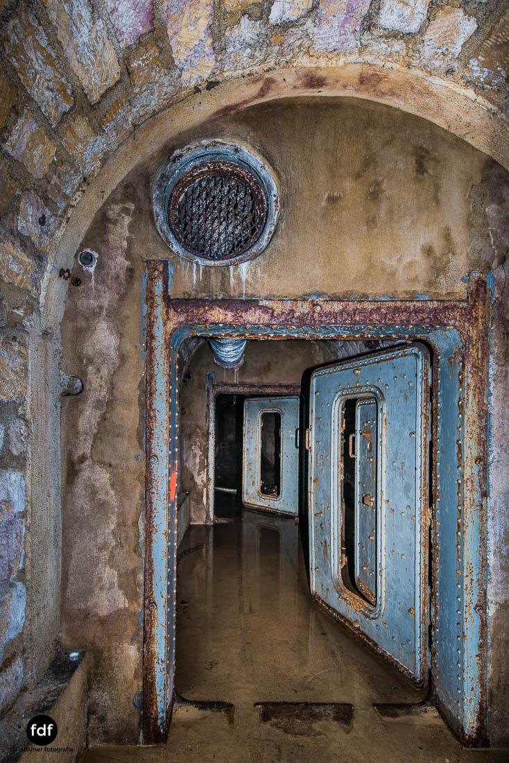 Latiremont-Maginot-Linie-Bunker-Dark-Place-Unterirdisch-Armee-Frankreich-Weltkrieg-132.jpg