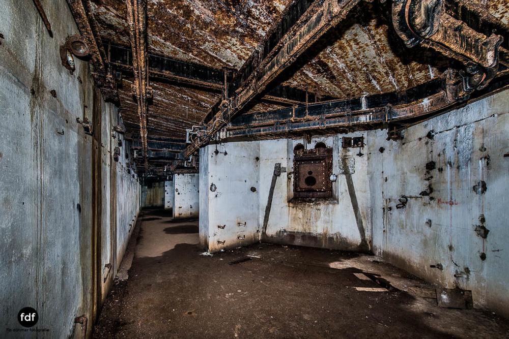 Latiremont-Maginot-Linie-Bunker-Dark-Place-Unterirdisch-Armee-Frankreich-Weltkrieg-135.jpg