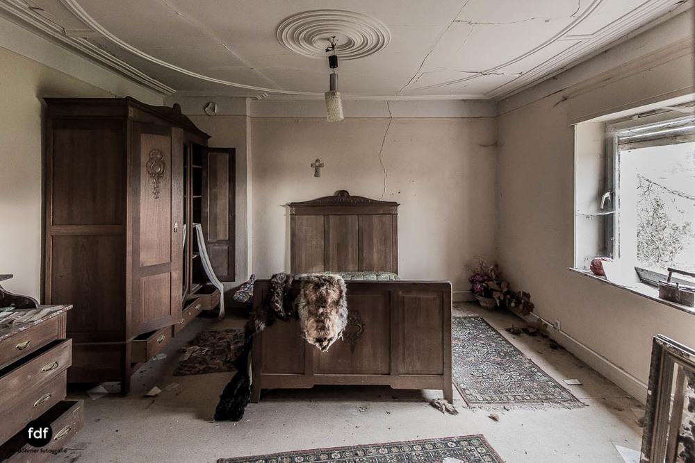 Maison-Hommel-Urbex-Lost-Place-Luxemburg-Verfall-102.jpg