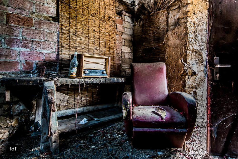 Maison-Hommel-Urbex-Lost-Place-Luxemburg-Verfall-108.jpg