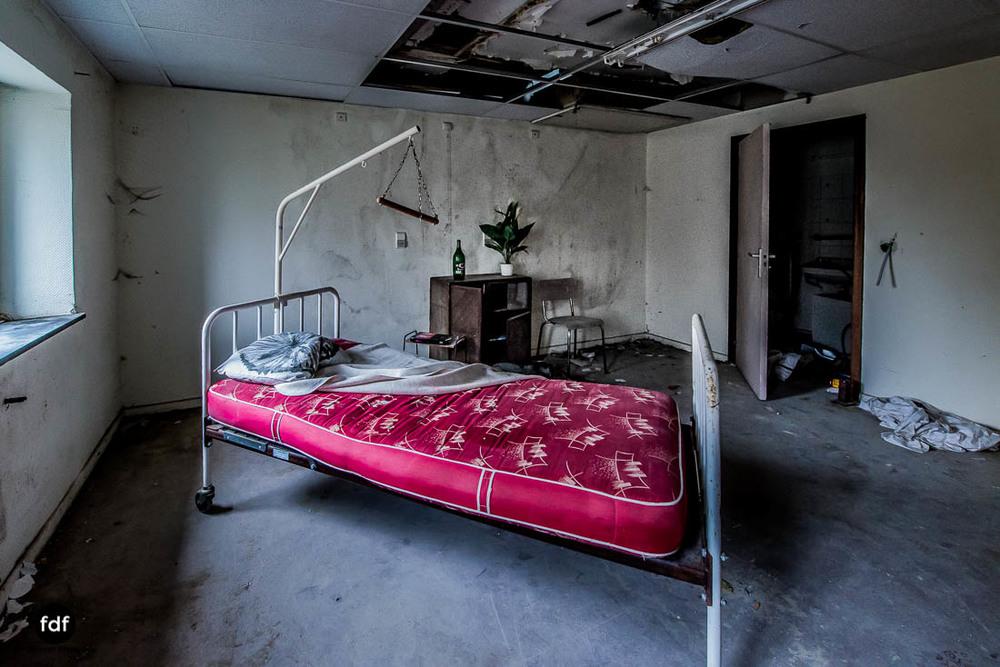 Agnus-Dei-Urbex-Lost-Place-Klinik-Altenheim-Verfall-Belgien-111.jpg
