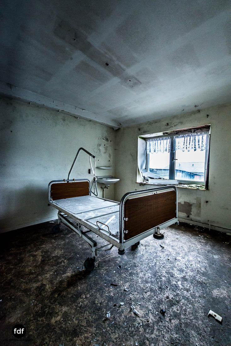 Agnus-Dei-Urbex-Lost-Place-Klinik-Altenheim-Verfall-Belgien-113.jpg