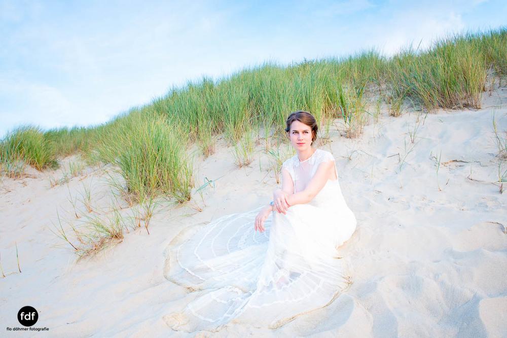 Braut-Meer-Hochzeit-Brautkleid-Shooting-Cadzand-502.jpg