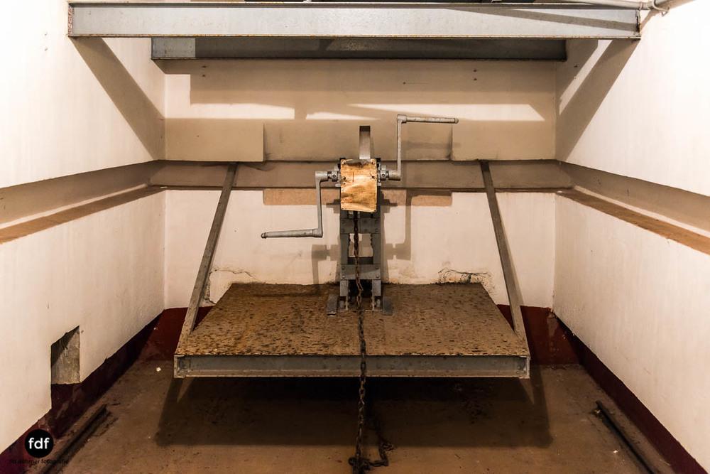 Hackenberg-Maginot-Linie-Gros-Ouvrage-Bunker-Dark-Place-Weltkrieg-Frankreich-200.jpg