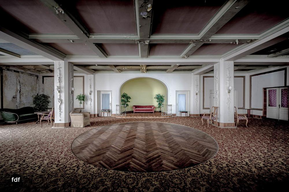 Grand-Hotel-Waldlust-Urbex-Verfall-Freudenstadt-Schwarzwald-104.jpg
