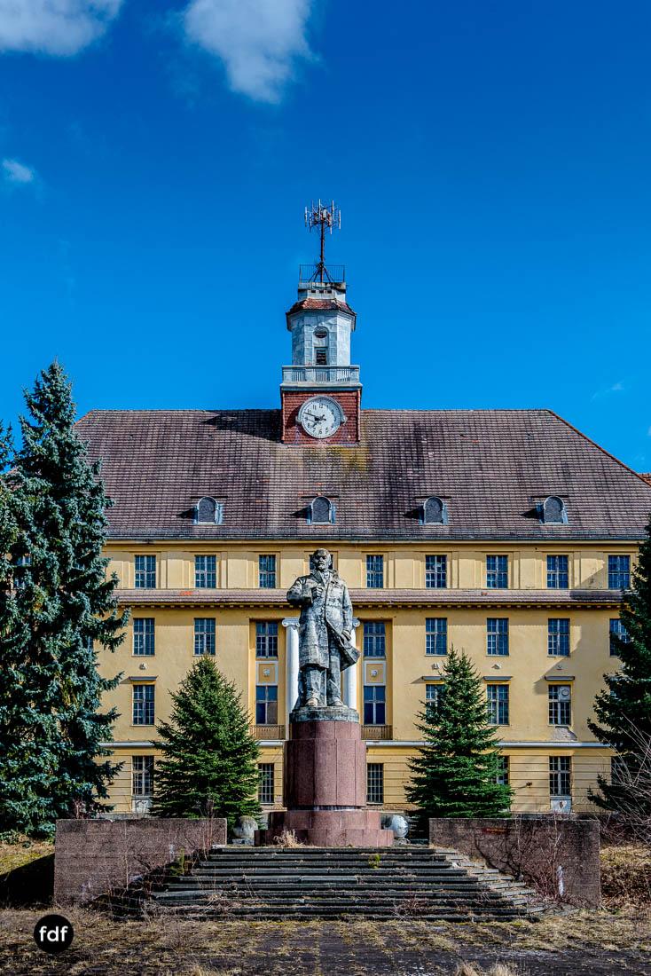 Wünsdorf-Kaserne-Sowjet-Lost-Place-Urbex-Lenin-209-18.jpg