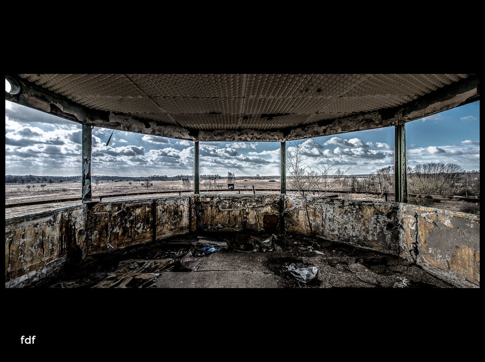Rangsdorf-Flugplatz-Militär-Lost-Place-Sowjet-27-Bearbeitet-Bearbeitet.jpg