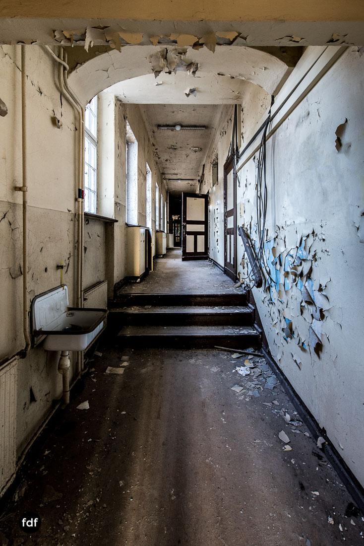 Stansdorf-Elisabethensanatorium-Berlin-Urbex-Lost-Place-Klinik-41-Bearbeitet.jpg