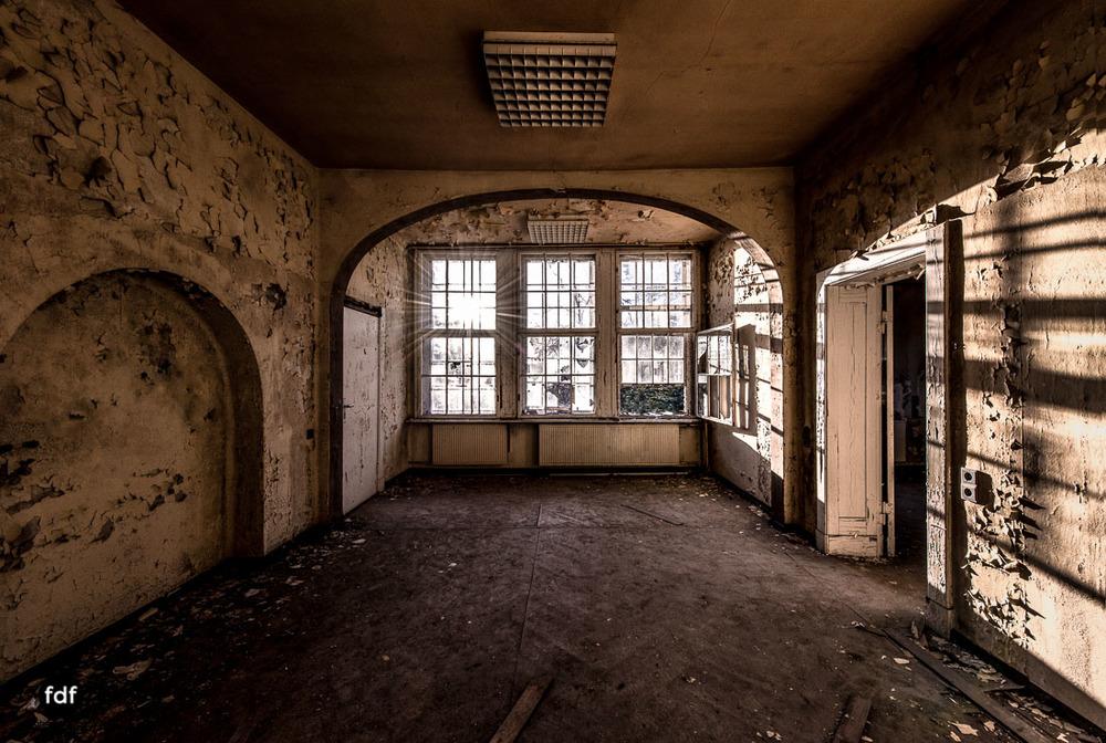 Stansdorf-Elisabethensanatorium-Berlin-Urbex-Lost-Place-Klinik-36-Bearbeitet.jpg