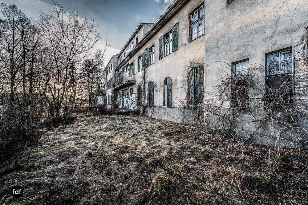 Stansdorf-Elisabethensanatorium-Berlin-Urbex-Lost-Place-Klinik-92-Bearbeitet.jpg
