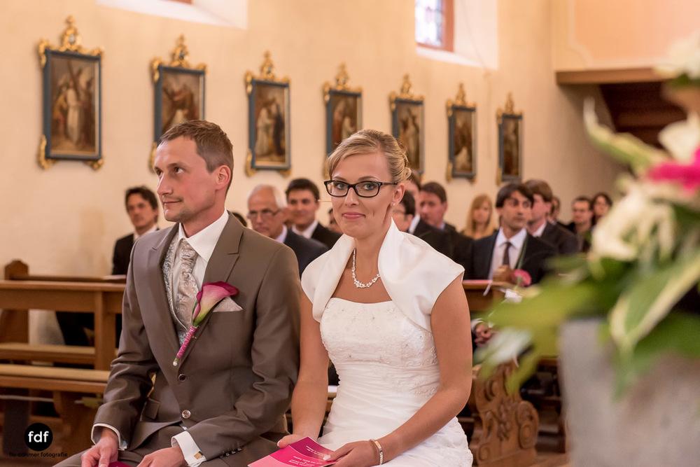Hochzeit-im-Mai-Reportage-Kirche-496.jpg