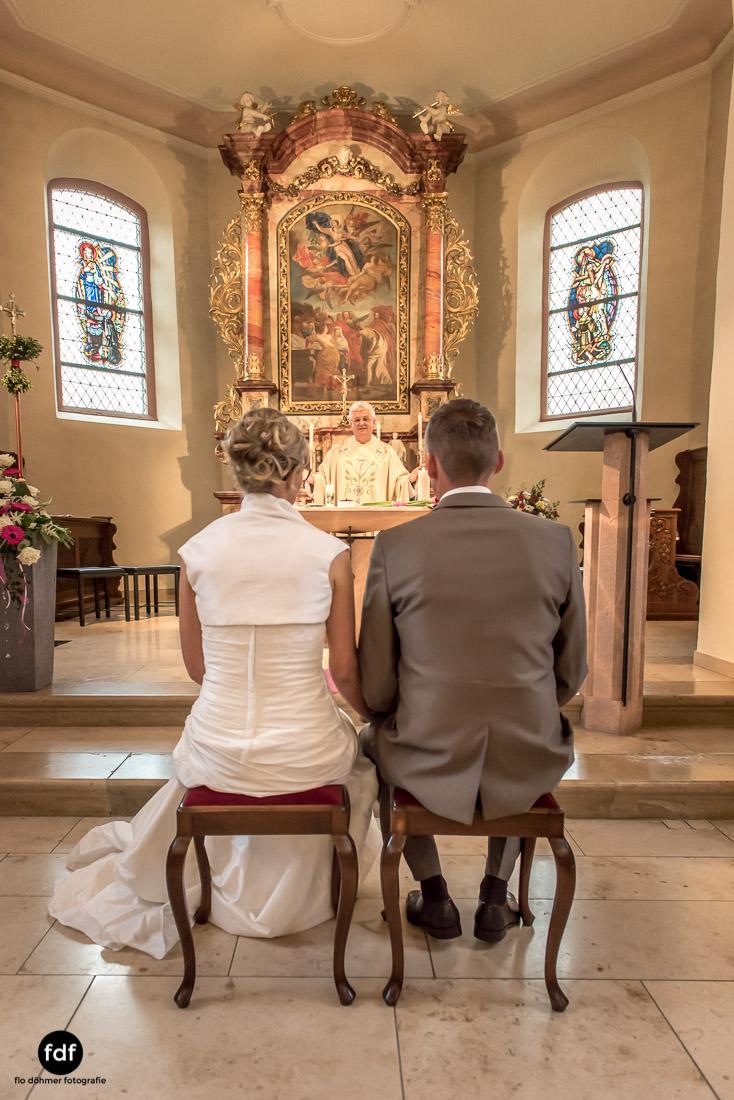 Hochzeit-im-Mai-Reportage-Kirche-545.jpg