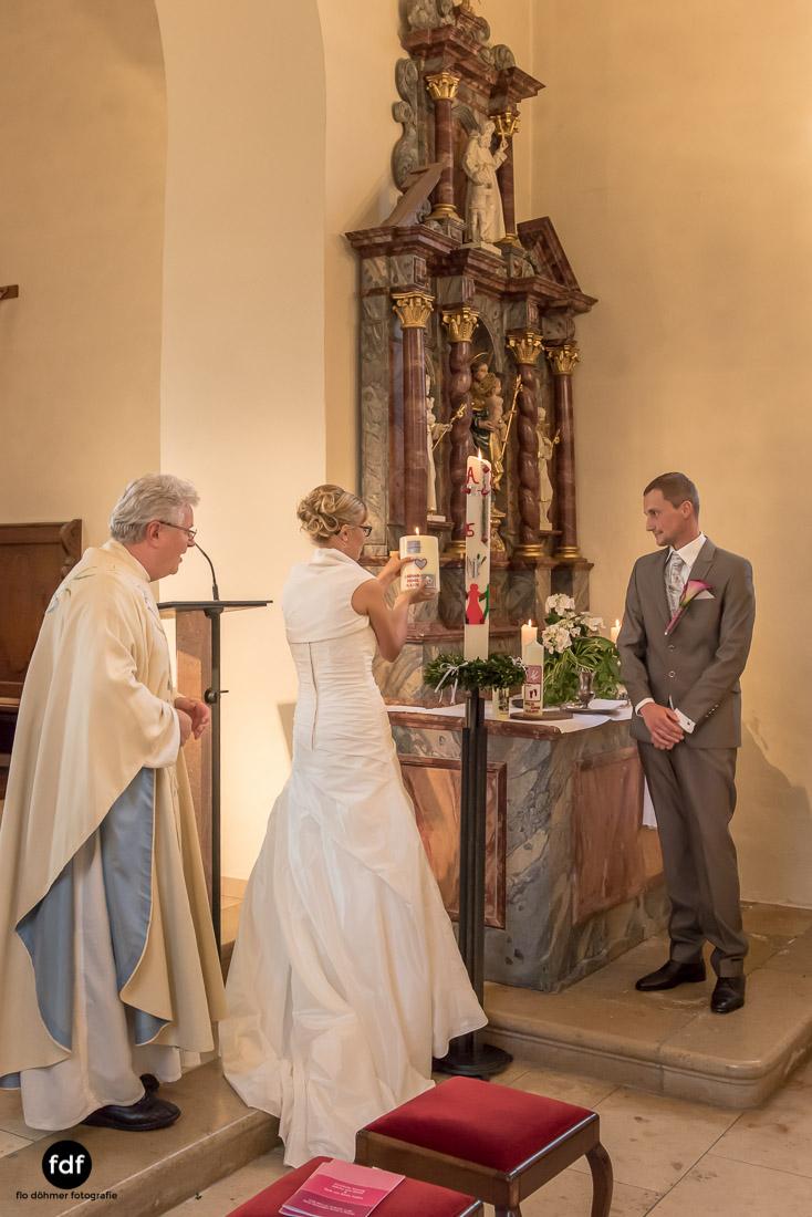 Hochzeit-im-Mai-Reportage-Kirche-558.jpg