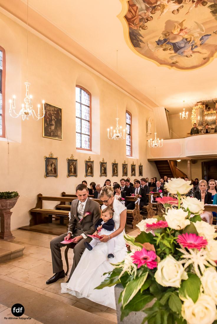 Hochzeit-im-Mai-Reportage-Kirche-743.jpg
