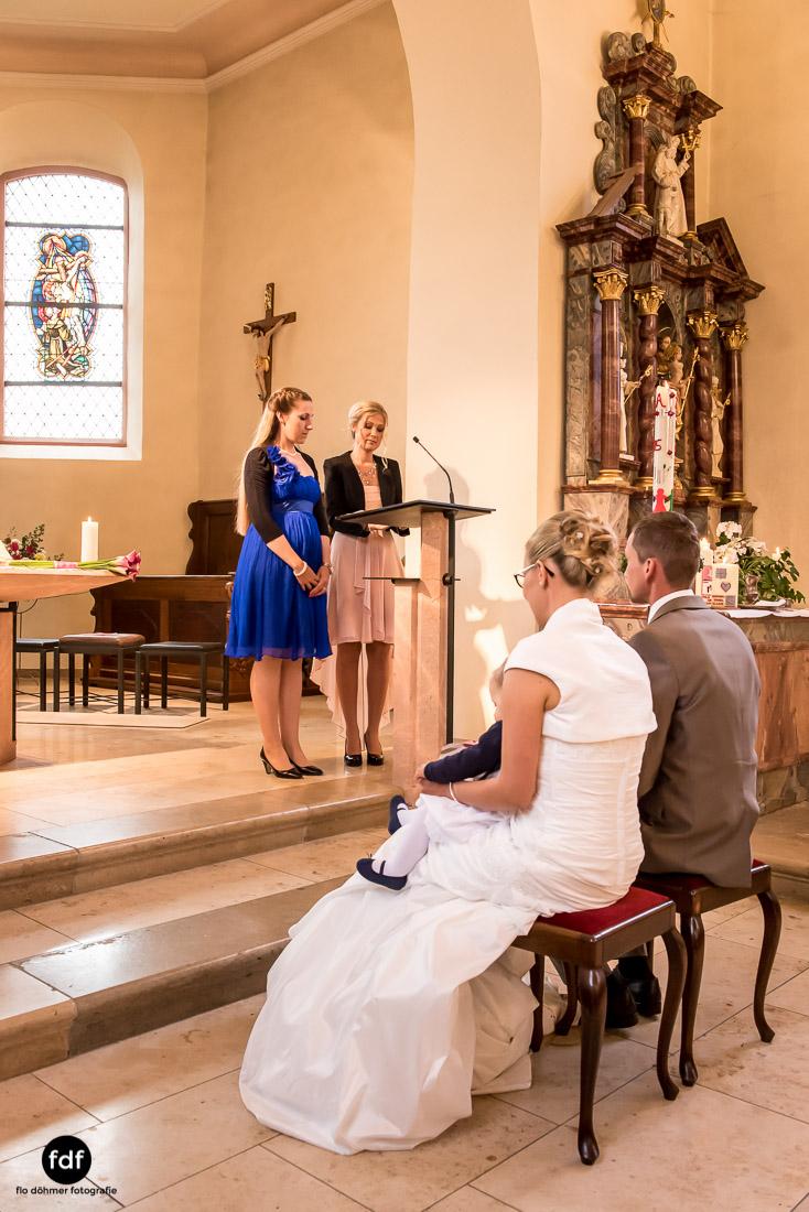 Hochzeit-im-Mai-Reportage-Kirche-756.jpg