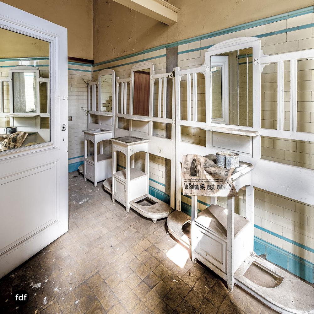 Alla-Italia-Urbex-Lost-Place-Therme-Bains-Bad-Belgien-118.jpg