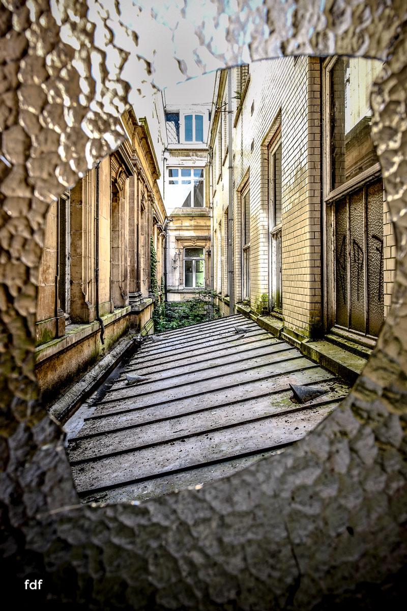 Alla-Italia-Urbex-Lost-Place-Therme-Bains-Bad-Belgien-131.jpg