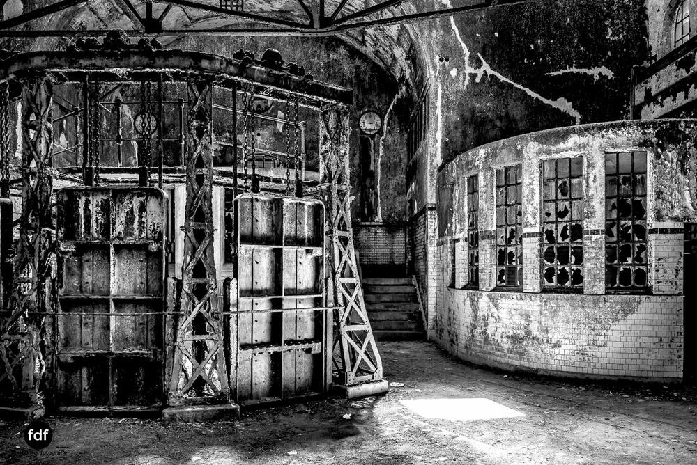 Die-Pumpstation-Wasserwerk-Urbex-Lost-Place-Deutschland-80.jpg