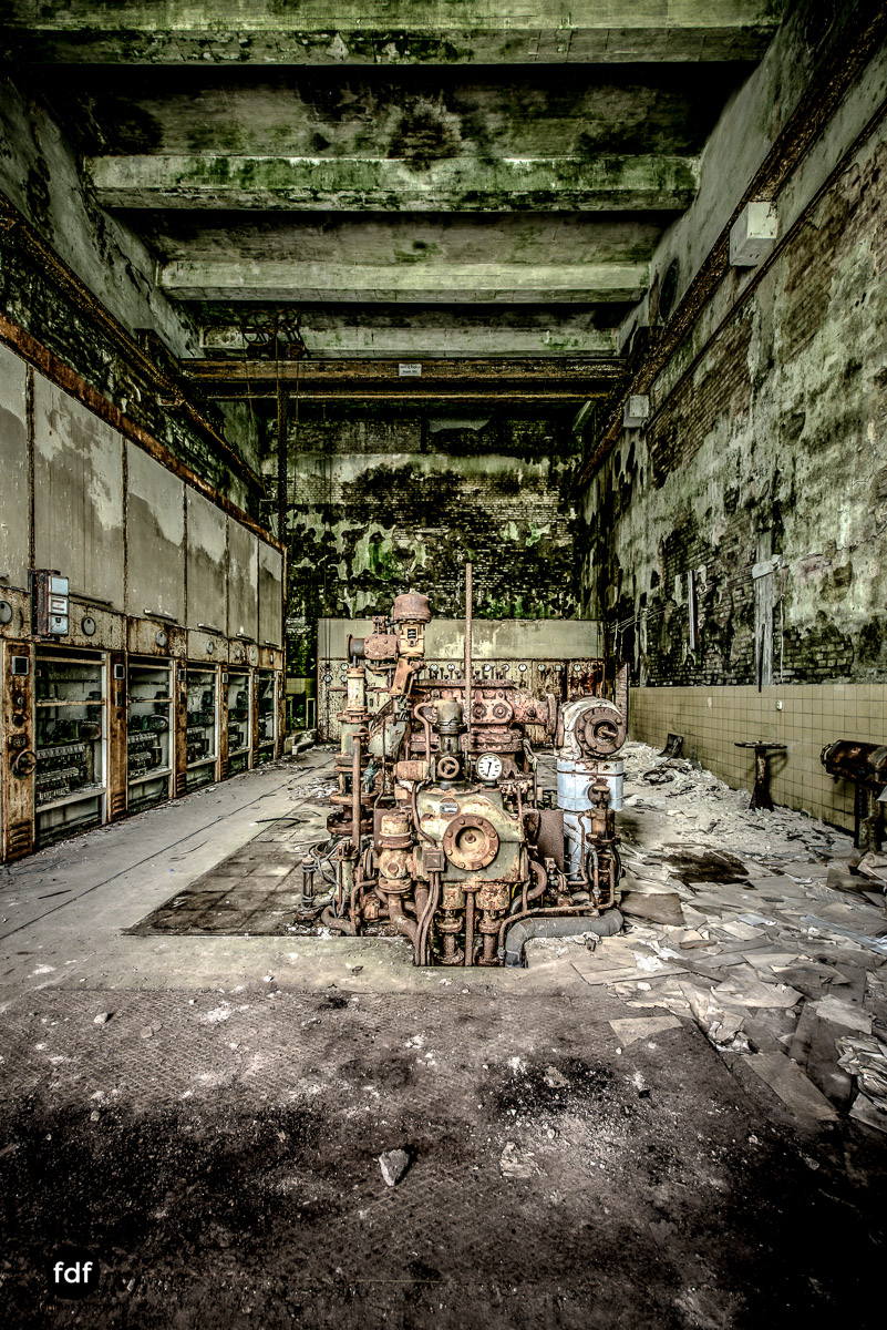 Papierfabrik-2-Kraftwerk-Urbex-Lost-Place-NRW-5.jpg