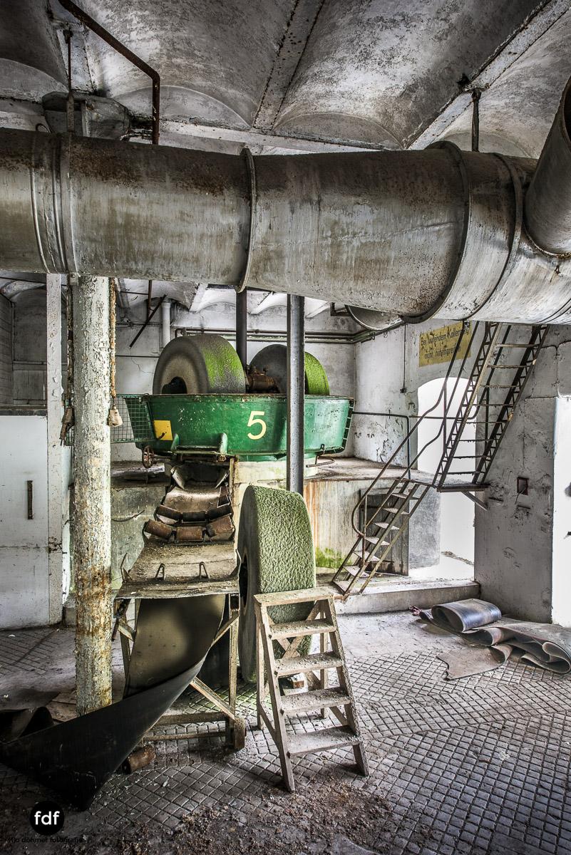 Papierfabrik-2-Kraftwerk-Urbex-Lost-Place-NRW-18.jpg