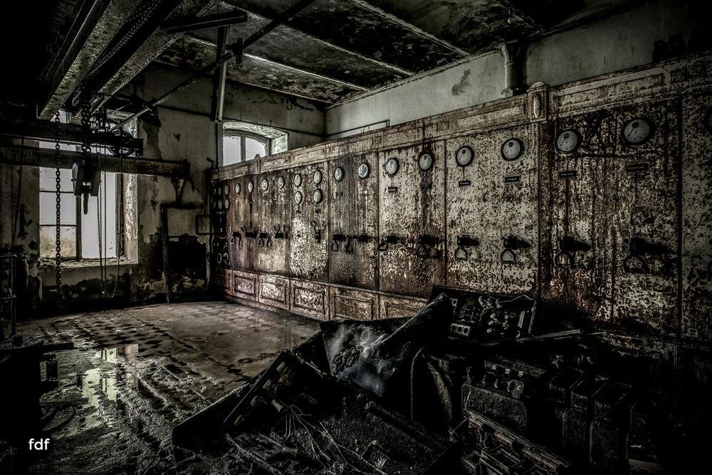 Papierfabrik-2-Kraftwerk-Urbex-Lost-Place-NRW-23.jpg