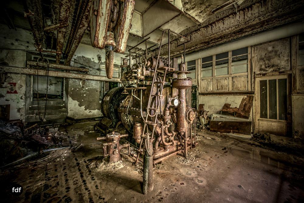 Papierfabrik-2-Kraftwerk-Urbex-Lost-Place-NRW-24.jpg